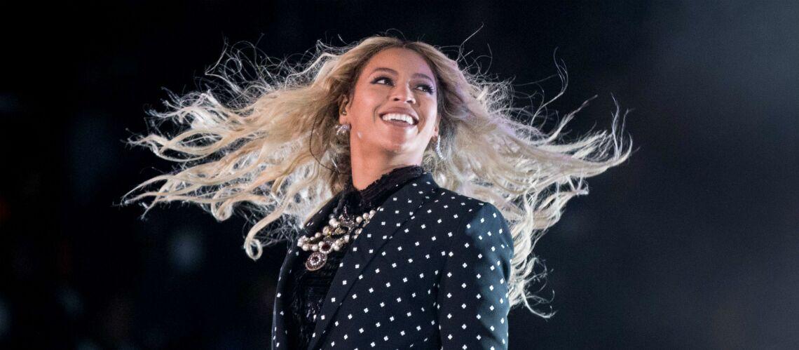 URGENT – Beyoncé est enceinte de jumeaux et publie une photo pour l'annoncer