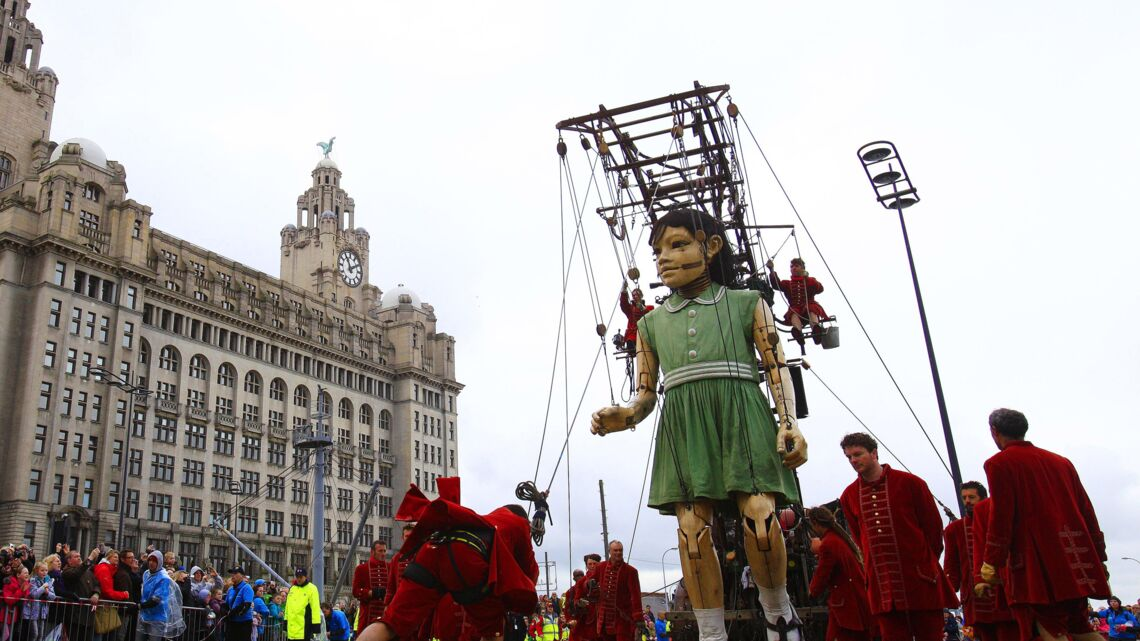 Royal de Luxe/Coca-Cola, David contre Goliath