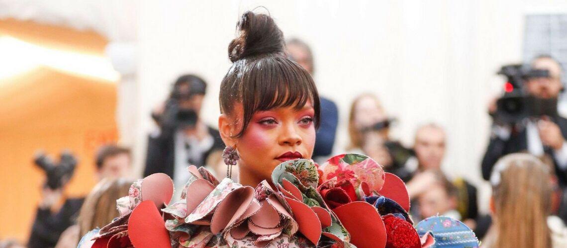 PHOTOS – Rihanna: maquillage et robe tout en extravagance, ses excès captivent l'attention au Met Gala