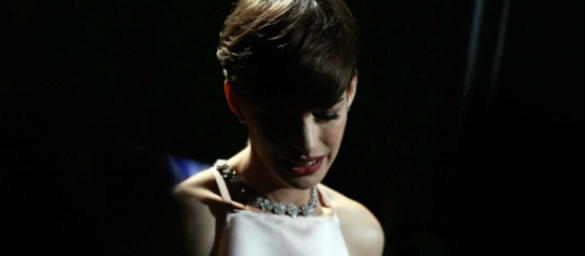 Anne Hathaway: ses excuses à Valentino