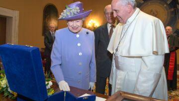 Elizabeth II et le pape François: un échange historique