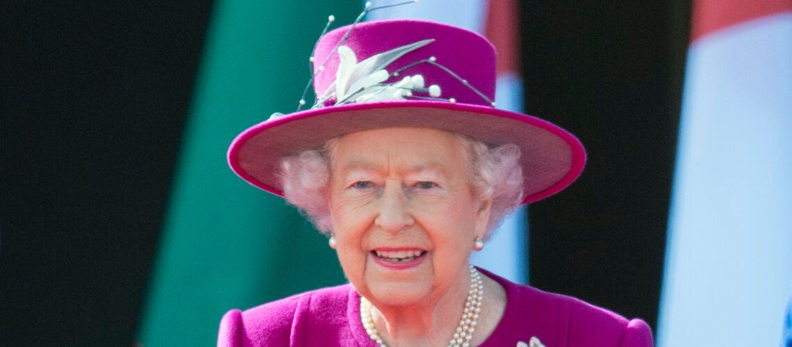PHOTO – Reine Elizabeth II: elle porte la même broche que Kate Middleton dans son nouveau portrait officiel