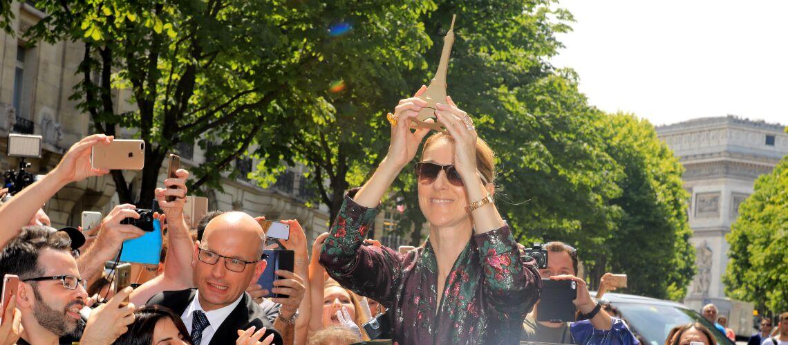 PHOTOS – Céline Dion reçoit un cadeau insolite: la star déchaînée devant le Royal Monceau