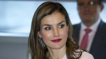 PHOTOS – Letizia d'Espagne: canon dans sa tenue rose signée Zara… à moins de 80 euros!