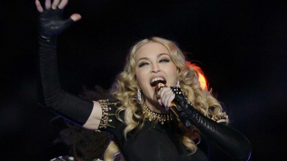 Vidéo – Madonna fait le show… en playback