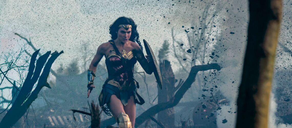 """PHOTOS – Wonder Woman: """"ses tenues rendent hommage au pouvoir des femmes"""""""