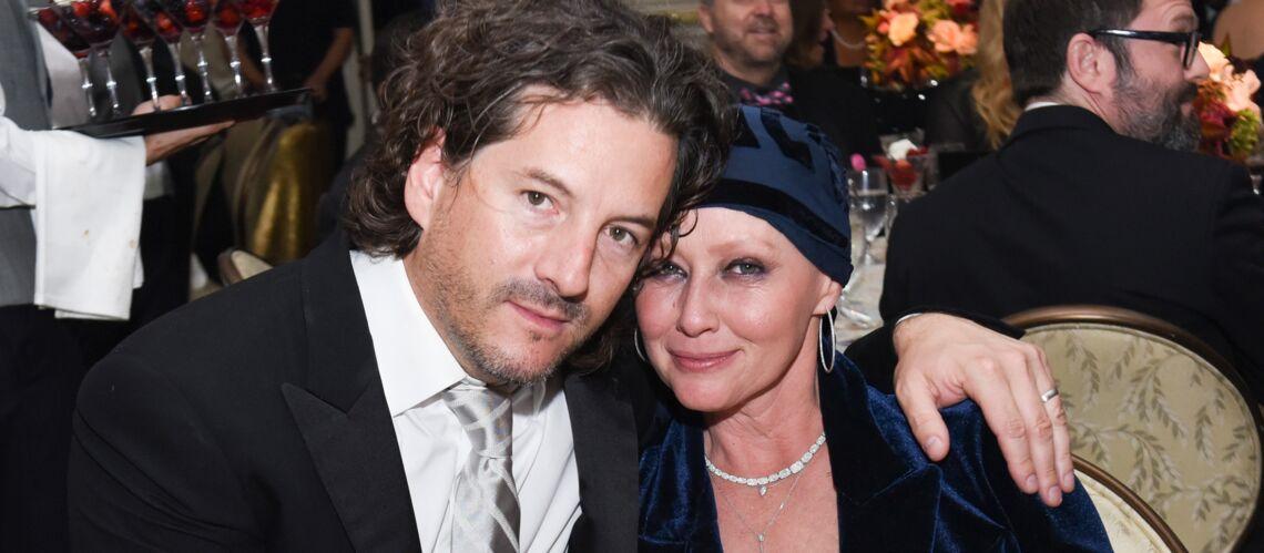 Le mari de Shannen Doherty accuse le manager de sa femme d'avoir retardé le diagnostic de son cancer