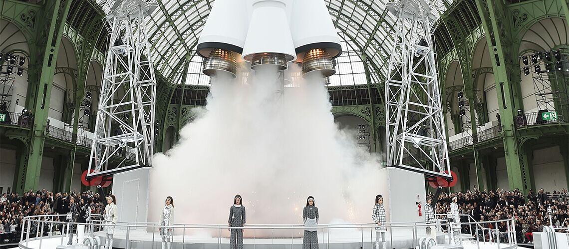 FASHION WEEK  – Chanel: Karl Lagerfeld propose une virée dans l'espace