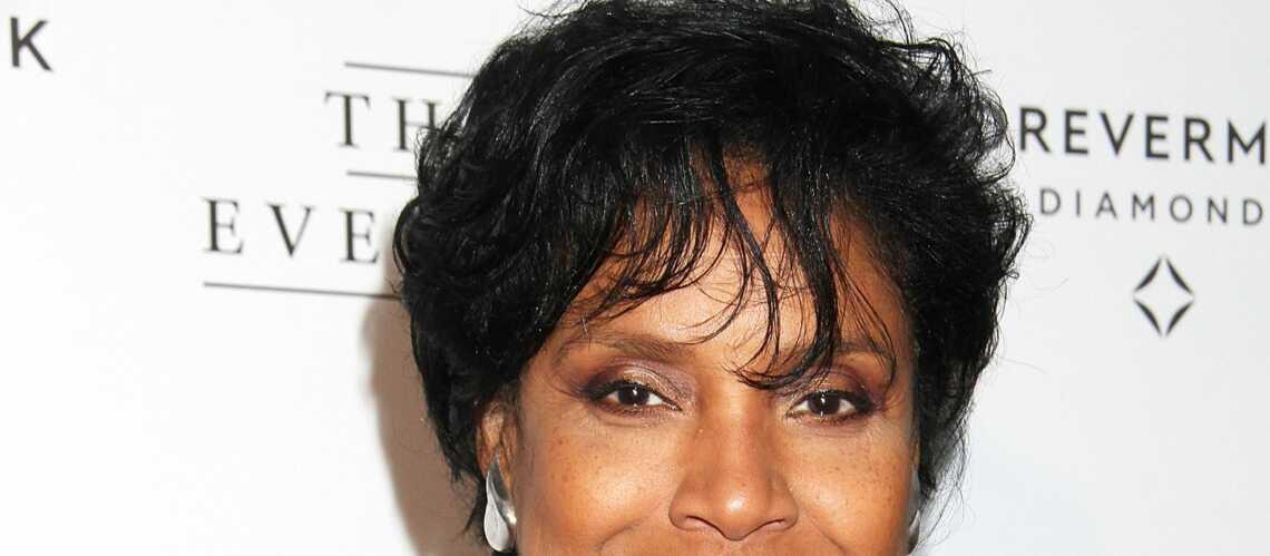 """La femme de Bill Cosby dans """"The Cosby Show"""" croit à un complot"""