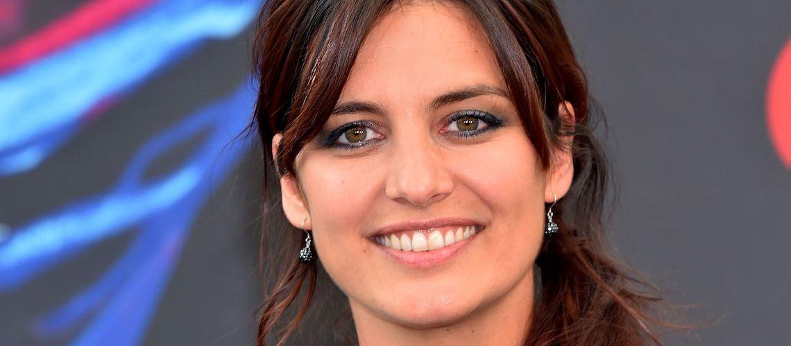 PHOTO – Laetitia Milot: nouvelle coupe de cheveux et décolleté plongeant, la comédienne est radieuse