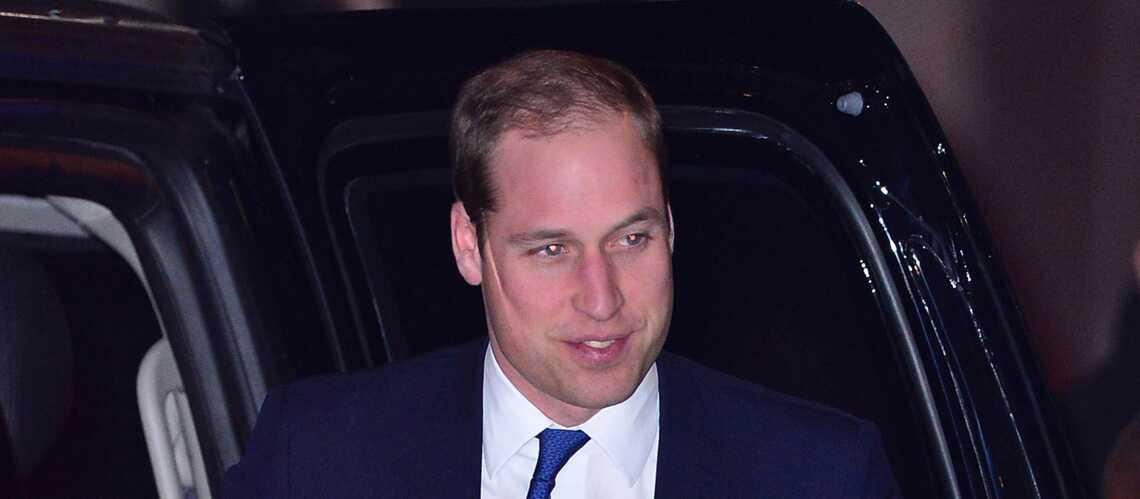 William déclenche une émeute dans un avion