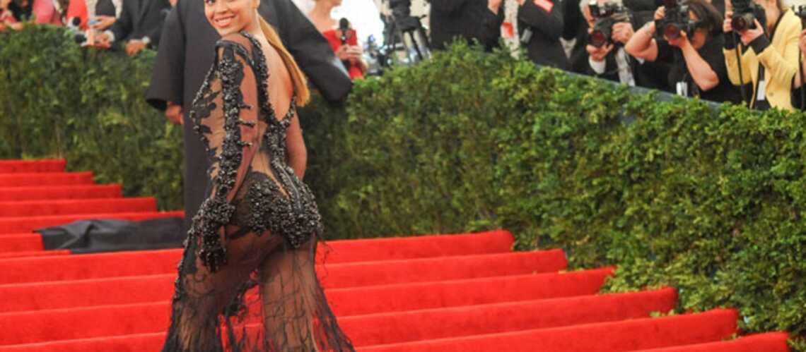 Beyoncé, Scarlett Johansson: Fashion Attack au Metropolitan