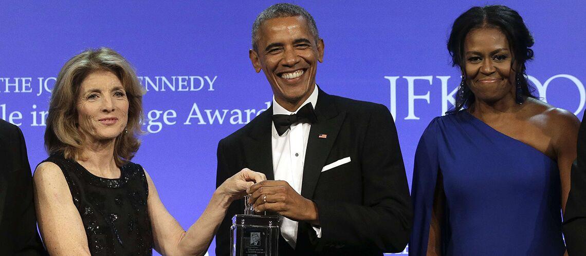PHOTOS – Michelle Obama, brushing de star et épaule dénudée, elle revient plus glamour que jamais
