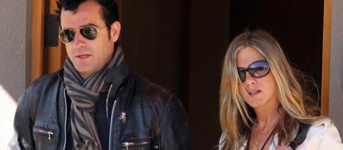Photos- Jennifer Aniston: oh la belle bague!