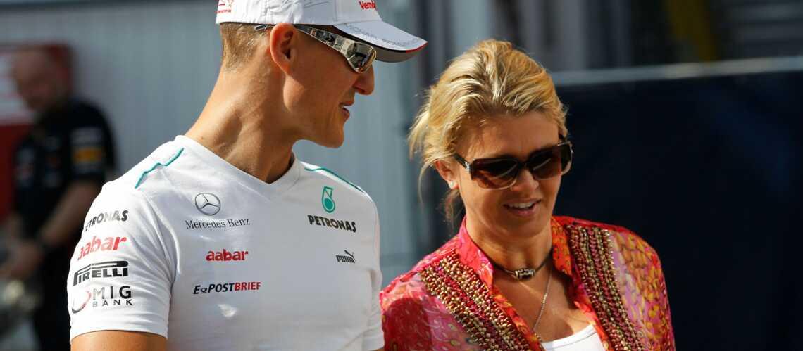 Corinna Schumacher: tout sourire pour sa première apparition publique