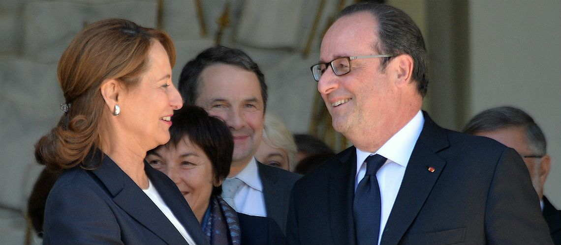 PHOTO – François Hollande et Ségolène Royal à deux doigts de s'embrasser