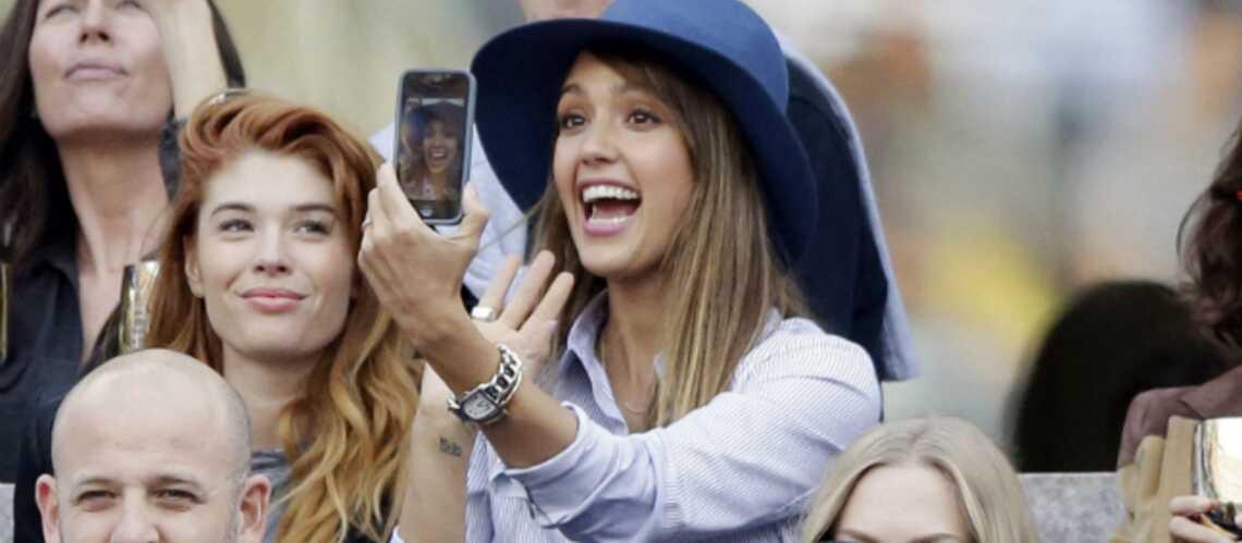 Miranda Kerr, Jessica Alba, la reine Sofia d'Espagne aiment le tennis