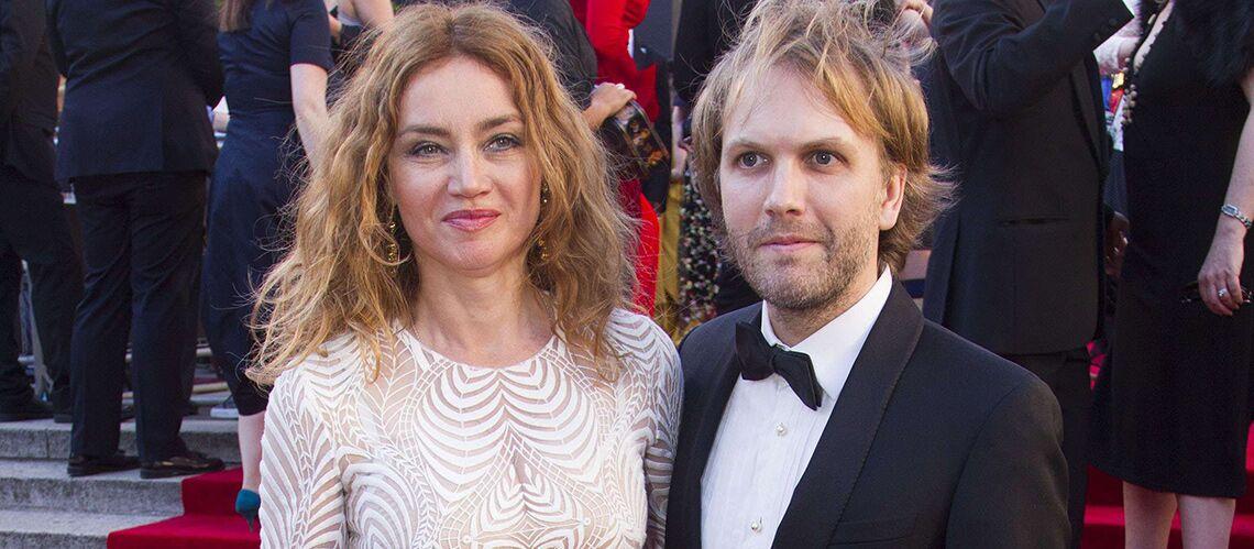PHOTO –Marine Delterme (Alice Nevers) et Florian Zeller: très élégants pour une rare sortie en couple