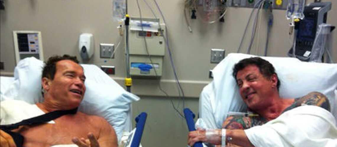 Schwarzenegger et Stallone inséparables, même à l'hôpital