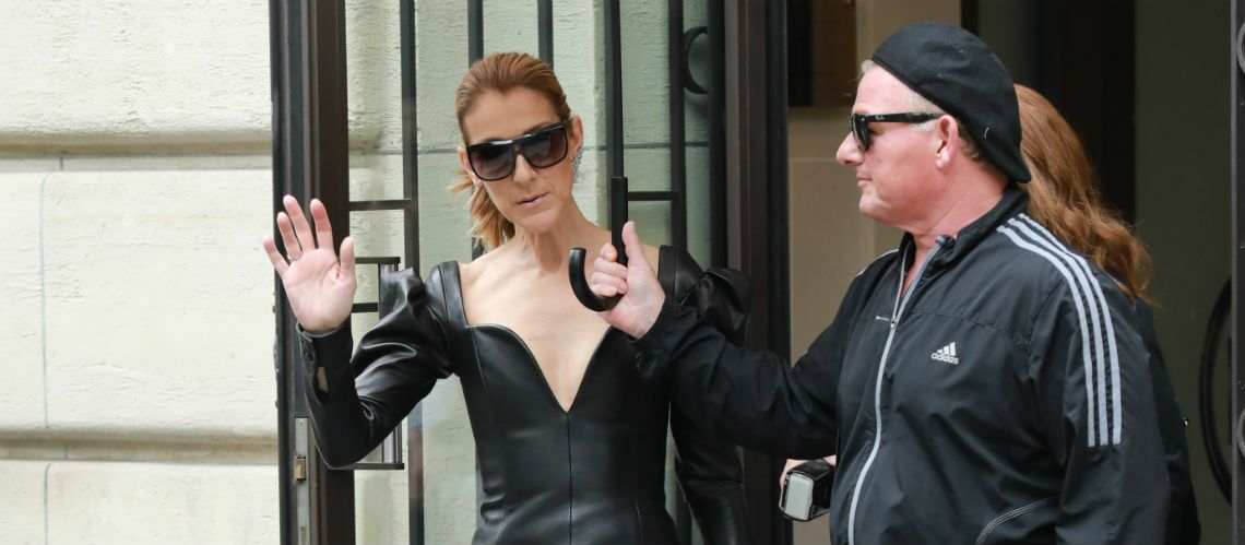 PHOTOS – Céline Dion ose le décolleté rock et sexy