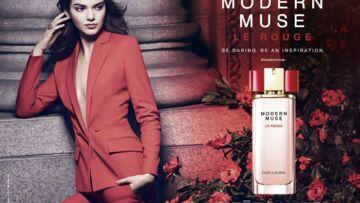 Kendall Jenner voit rouge