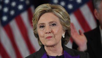 PHOTO – Un jour après sa défaite, Hillary Clinton photographiée dans les bois en train de promener son chien