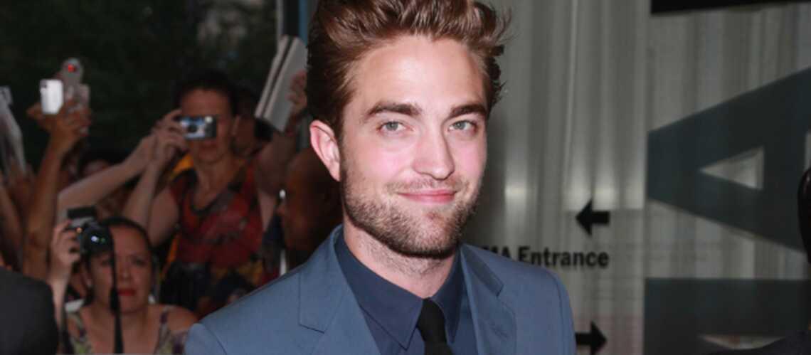 Robert Pattinson avec une mystérieuse blonde
