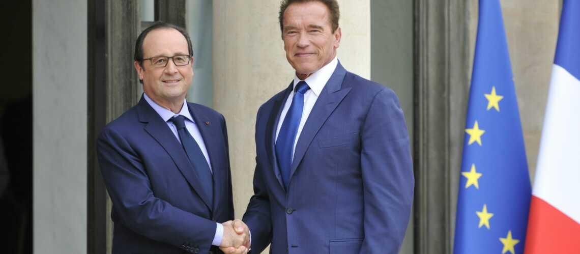 Arnold Schwarzenegger et François Hollande, une poignée de main pour l'écologie