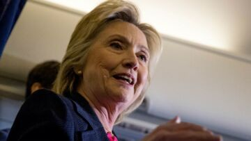 VIDEO – Hillary Clin­ton, victime d'un malaise: d'inquié­tants précé­dents…