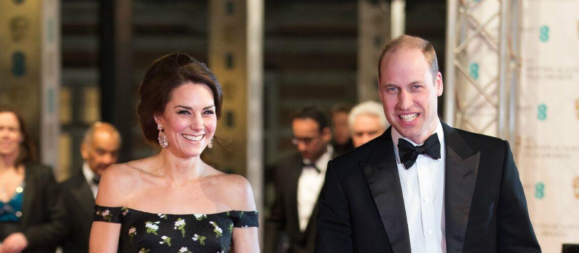 PHOTOS – Kate Middleton ose les épaules nues aux Bafta awards au côté du prince William