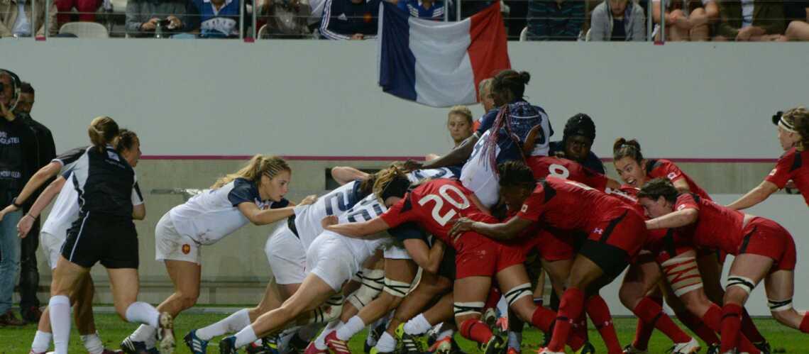 Rugby: Les filles dans leurs 22