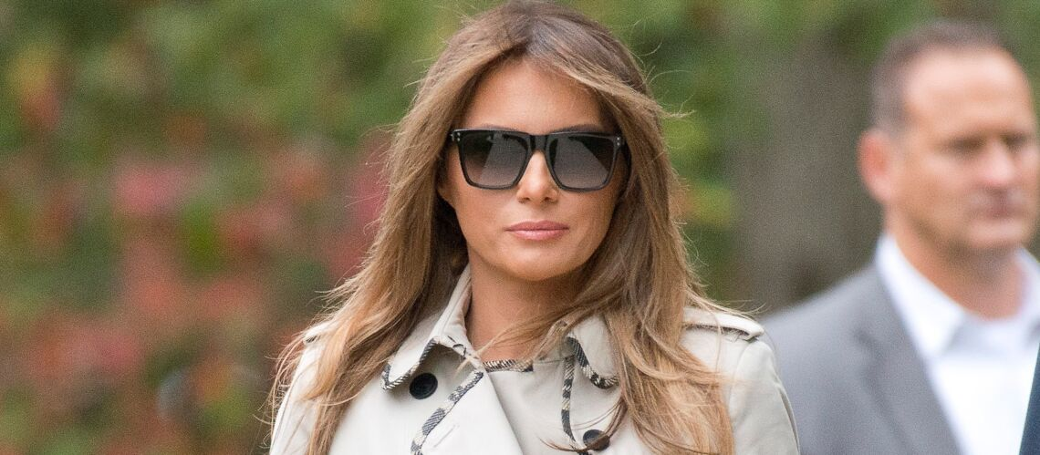 PHOTOS – Melania Trump: en trench, slim noir et ballerines, un rare look décontracté