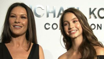 PHOTOS- Cathe­rine Zeta-Jones : sa fille, Carys Zeta-Douglas,14 ans est son sosie