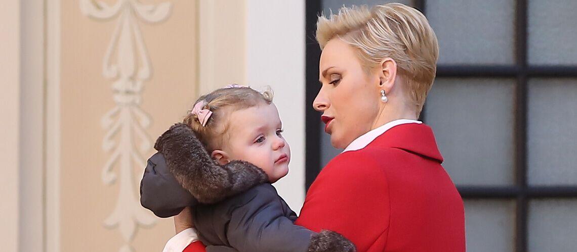 Pourquoi la princesse Gabriella de Monaco pleure-t-elle toujours en public?