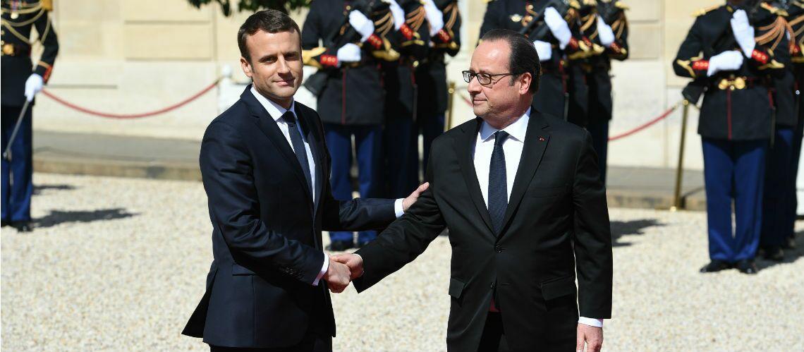 """Après la petite phrase sur les """"fainéants"""", François Hollande de retour à l'Elysée: fera-t-il la bise à Emmanuel Macron après un été tendu?"""