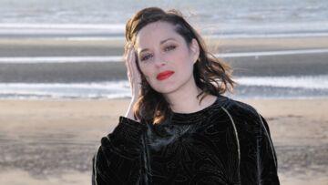 PHOTOS – Marion Cotillard: femme fatale avec sa bouche rouge et pulpeuse