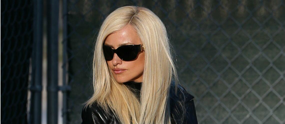 Penelope Cruz méconnaissable en blonde aux cheveux longs!