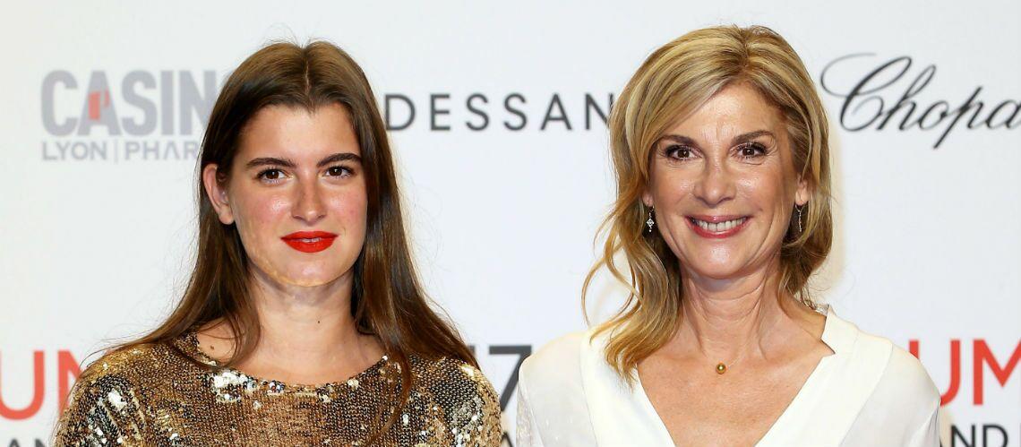 PHOTOS – Michèle Laroque, resplendissante, avec sa fille Oriane au Festival Lumière