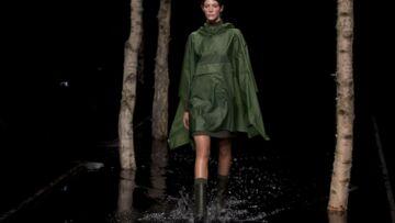 Fashion Week de Londres: Catwalk inondé et extravagances british
