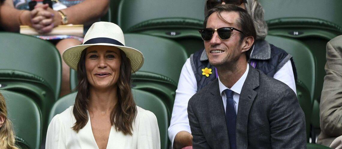 PHOTOS – Pippa Middleton et James Mathews: encore assortis et très amoureux à Wimbledon