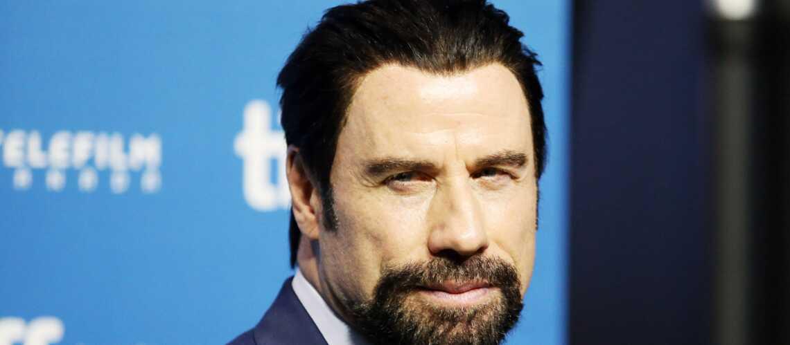 John Travolta stoppe les rumeurs sur son homosexualité