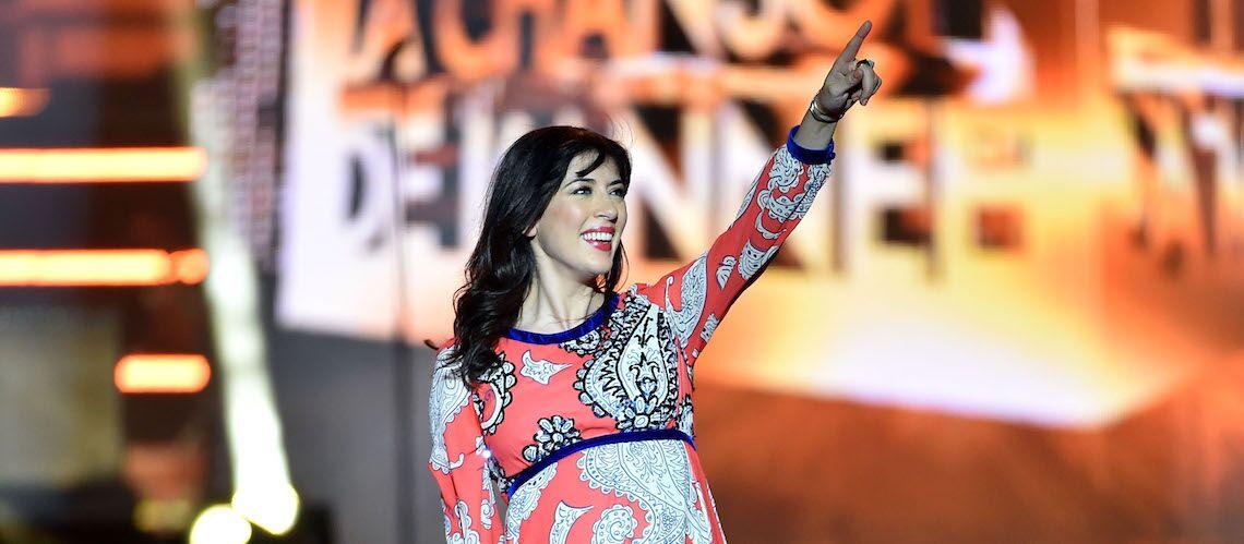 PHOTOS – Nolwenn Leroy très enceinte et sublime en robe sur scène