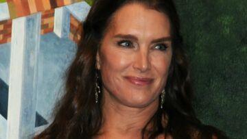 PHOTO – A 52 ans, Brooke Shieds plus sexy que jamais, s'affiche en cuir et résilles