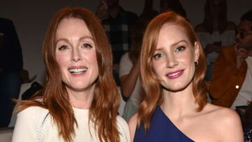 New York Fashion Week – Julianne Moore et Jessica Chas­tain, flam­boyantes au front row