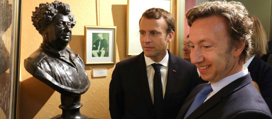 """Emmanuel Macron et Stephane Bern se font """"corriger"""" par une prof d'histoire"""