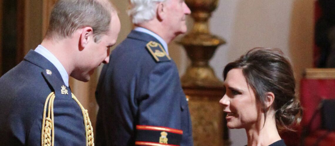 PHOTOS – Victo­ria Beck­ham, déco­rée par le prince William