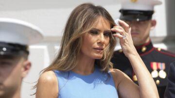 PHOTOS – Melania Trump: en petite robe bleue, pourquoi est-elle accusée de copier Michelle Obama?
