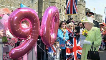 Photos – Le bain de foule d'Elisabeth II pour ses 90 ans