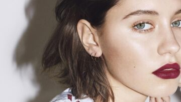 PHOTO – Iris Law : la fille de Jude Law, superbe, la bouche pulpeuse, en couver­ture de Jalouse