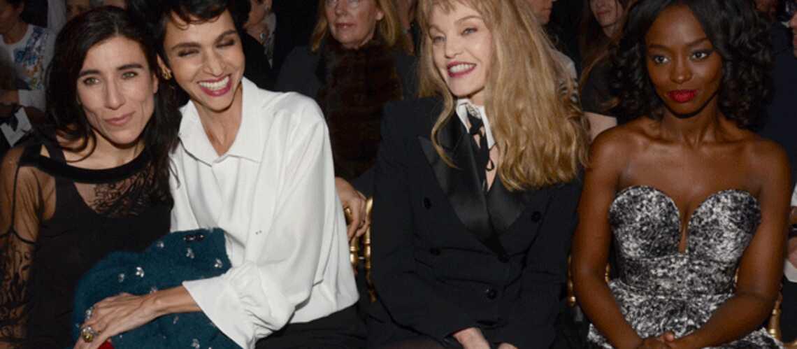 Catherine Deneuve, Farida Khelfa et Arielle Dombasle au défilé Jean Paul Gaultier